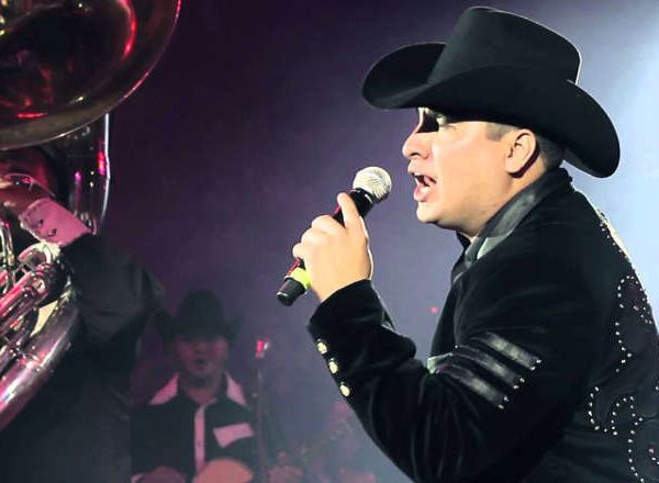 Julion Alvarez at The Forum