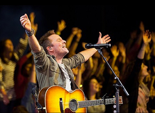 Worship Night In America: Chris Tomlin, Louie Giglio, Max Lucado, Matt Redman, Israel Houghton, Phil Wickham & Kim Walker-Smith at The Forum
