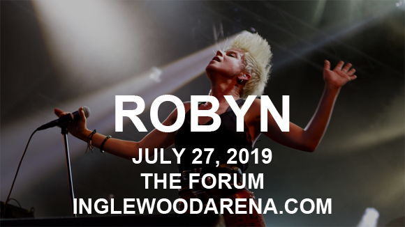 Robyn at The Forum